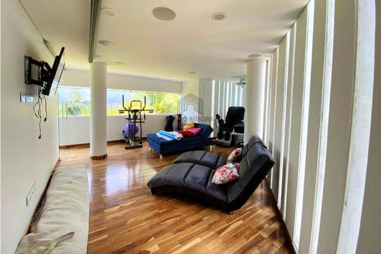 Portada Casa en venta en Camino Verde de 6300mt2 con terraza.