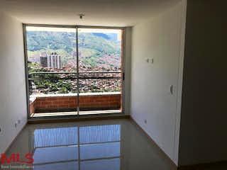 Una ventana en una habitación con una ventana en Reserva de Bucaros