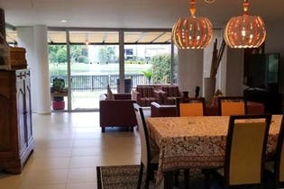 Casa en venta en Don Diego-El Retiro de 292 mt2. con terraza