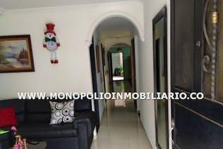 Casa en venta en Alcala con cinco habitaciones.