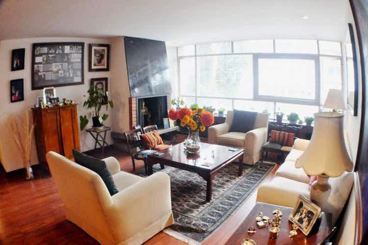 Portada Apartamento en venta en Chicó Reservado de 168 mt con chimenea