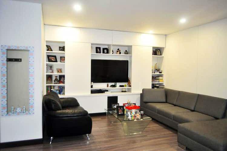 Portada Apartamento en venta en La Calleja con balcòn