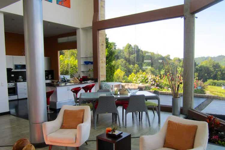 Portada Casa en venta en Casco Urbano La Calera con jacuzzi