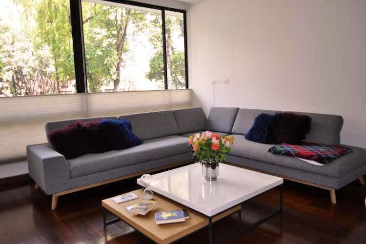 Portada Apartamento en venta en Barrio La Carolina con chimenea
