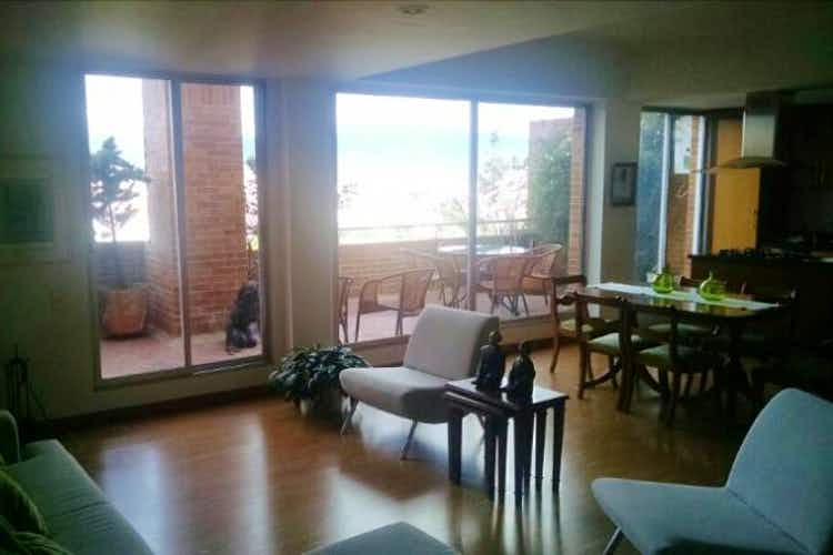 Portada Apartamento Duplex en venta en Barrio Niza con terraza.