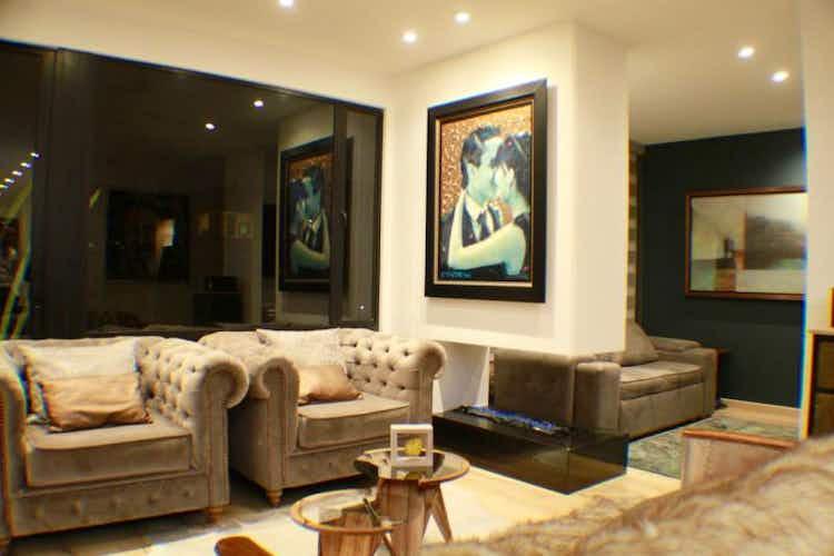 Portada Apartamento en venta en Santa Paula con 2 balcones