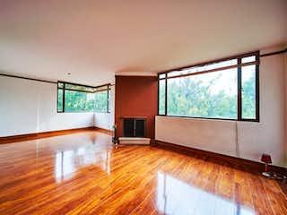 Una sala de estar llena de muebles y una televisión de pantalla plana en Apartamento En Venta En Alcázares, de 100mtrs2