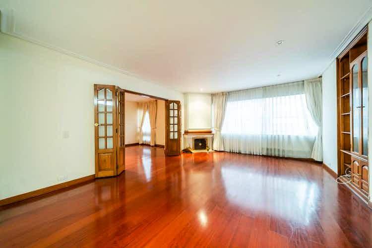 Portada Apartamento en venta en El Retiro, de 200mtrs2, con chimenea