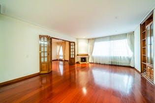 Apartamento en venta en El Retiro, de 200mtrs2, con chimenea