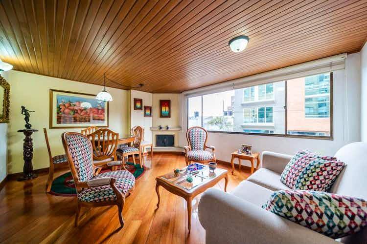 Portada Apartamento en venta en Santa Bárbara Oriental, de 76mtrs2 con chimenea