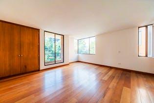 Apartamento En Venta En Chicó Navarra, de 172mtrs2 con 2 balcones
