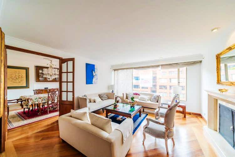 Portada Apartamento En Venta En El Nogal, de 198mtrs2 con balcón
