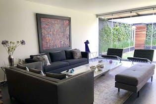 Casa en venta en Fuentes del Pedregal de 338 mt2. con 3 niveles