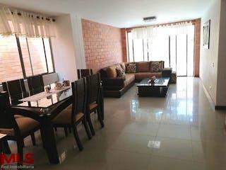 Una sala de estar llena de muebles y una ventana en Magallanes