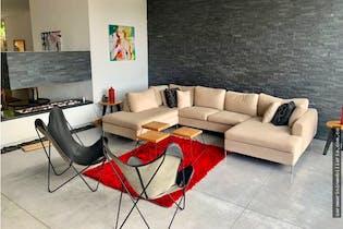 Casa en venta en Loma del Escobero de 1000 mt con chimenea