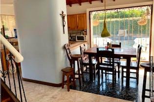 Casa en venta en Los Pinos de 2000 mt con chimenea
