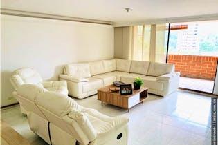 Apartamento en venta en El Poblado 187m² con Bbq...
