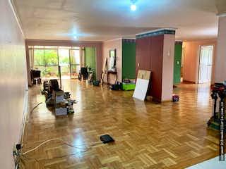 Una sala de estar llena de muchos muebles en Apartamento en venta en Santa María de los Ángeles de 230 mt