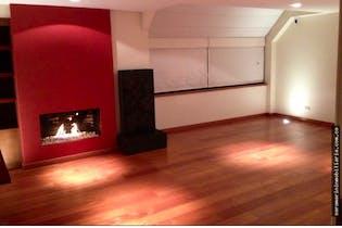 Casa en venta en Chicó Navarra de cuatro habitaciones