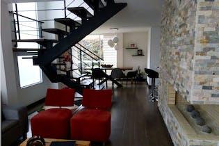 Casa en venta en Calvo sur de 190 mts2 de 3 niveles