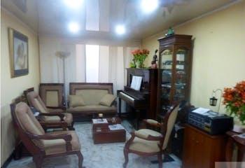 Casa en venta en Carvajal de 250 mts2 de 3 niveles