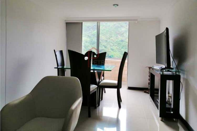 Portada  Apartamento en venta en  Loma de los Bernal de 68mt2