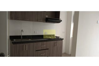 Apartamento en venta en Bello de 3 habitaciones