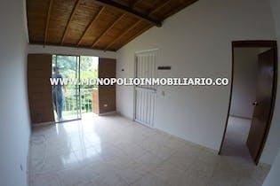 Casa en venta en San Antonio de Prado de tres alcobas