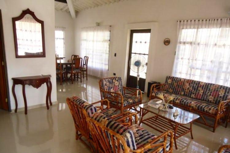 Portada Casa Campestre En Casco Urbano Soacha, Soacha, 4 Habitaciones-600m2.