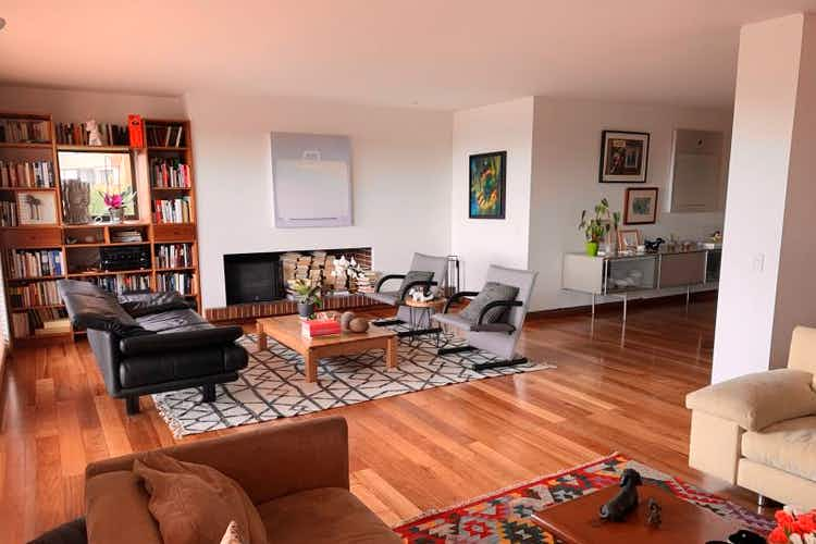 Portada Apartamento En Venta En Barrio Usaquén, de 206mtrs2 con dos balcones