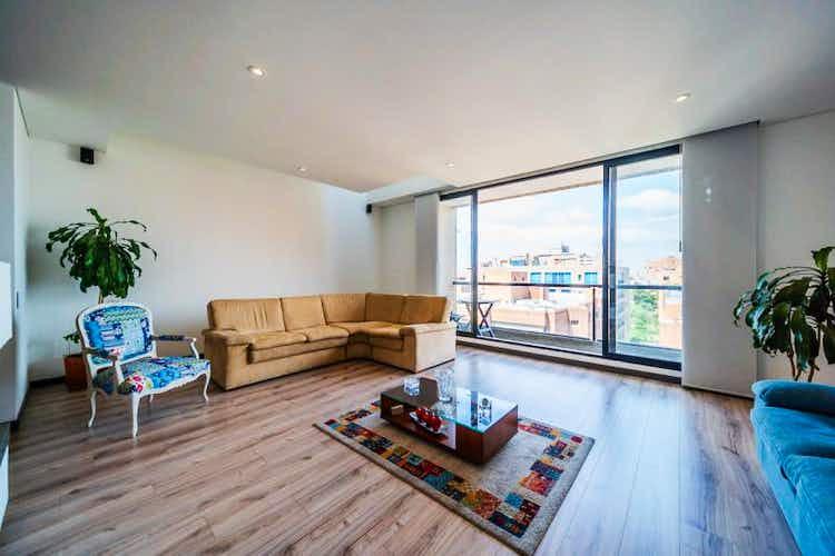 Portada Apartamento En Venta En Barrio La Carolina, de 202mtrs2 con balcón