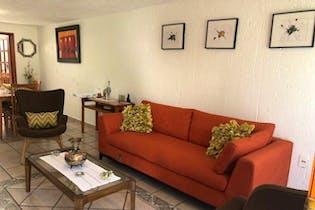 Casa en venta en Rincón Colonial de 2 niveles.