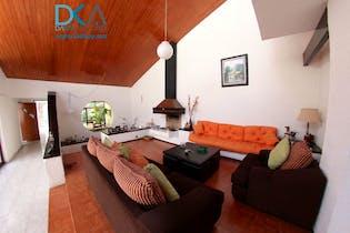 Casa en venta en Bosques De Tetlameya de 5 recámaras