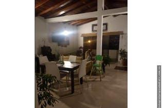 Apartamento en venta en Manrique Central No. 1 de 110,8 mt con balcón