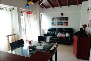 Apartamento en venta en Calle Larga con Balcón...