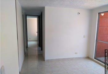 Apartamento en venta en Casco Urbano Soacha de 51 mt con balcón