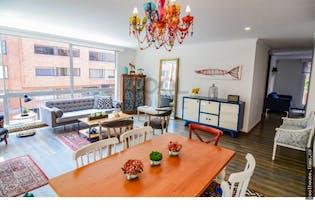 Apartamento con terraza en venta en La Calleja 4 habitaciones