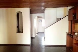 Casa en venta en Milenta de 4 hab.