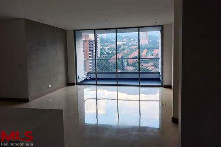 Portada Apartamento en venta en Loma de Benedictinos de 123 mts2