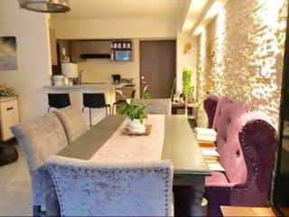 Una sala de estar llena de muebles y una chimenea en Departamento en venta en Lomas de Santa Fe, 98mt