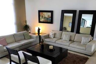 Casa en venta en Hacienda De Las Palmas, 750mt de tres niveles.
