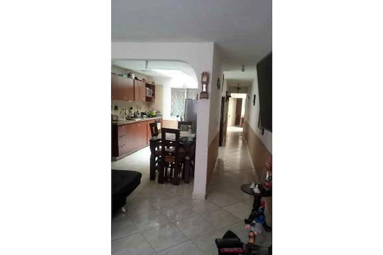 Portada Casa en venta en Campo Amor, de 104mtrs2 con patio