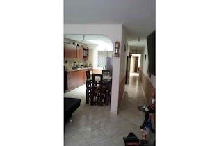 Casa en venta en Campo Amor, de 104mtrs2 con patio