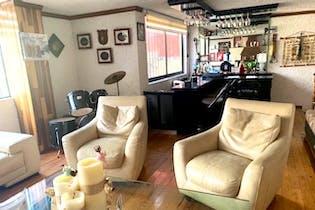 Casa en venta en Jardines del Ajusco de 285,ts2, tres niveles