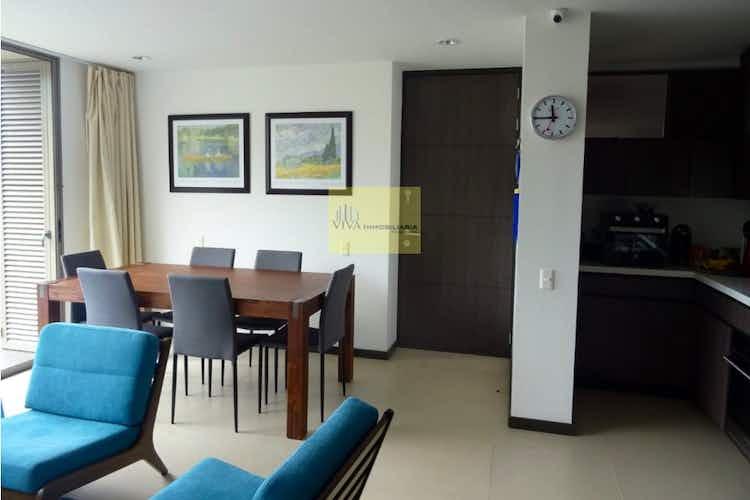 Portada Apartamento en venta en El Tesoro con balcon