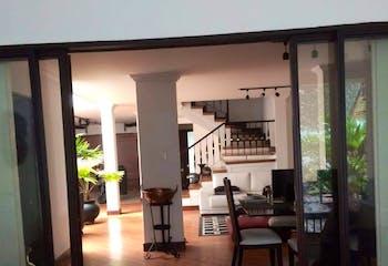 Casa en Venta en Simón Bolívar de 234 mt2. con 2 niveles.