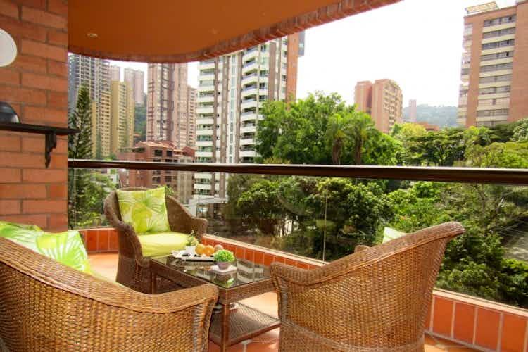 Portada Apartamento en venta en Castropol de cuatro habitaciones