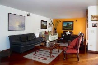 Casa en Venta en Santa Ana de 397 mt2. con 2 niveles