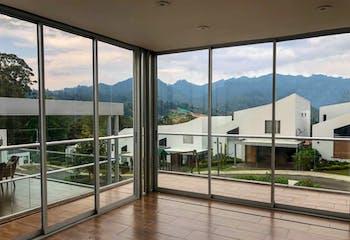 Casa en venta en Casco Urbano El Retiro de 248 mt2. con balcón.