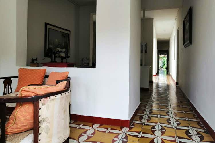 Portada Casa en venta en Manrique Central de seis habitaciones